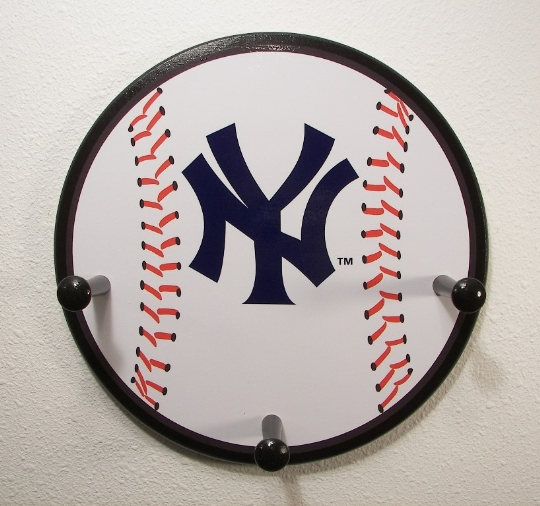 3 Peg New York Yankees Baseball Hanger
